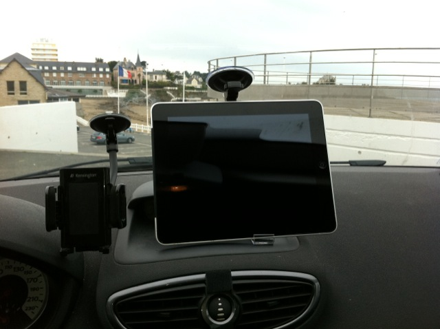 astuce support ipad voiture iphonote. Black Bedroom Furniture Sets. Home Design Ideas