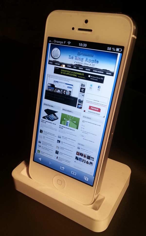test accessoire support bureau pour iphone 5. Black Bedroom Furniture Sets. Home Design Ideas