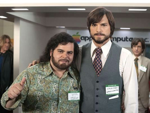 ashton-kutcher-josh-Gad-Jobs-2