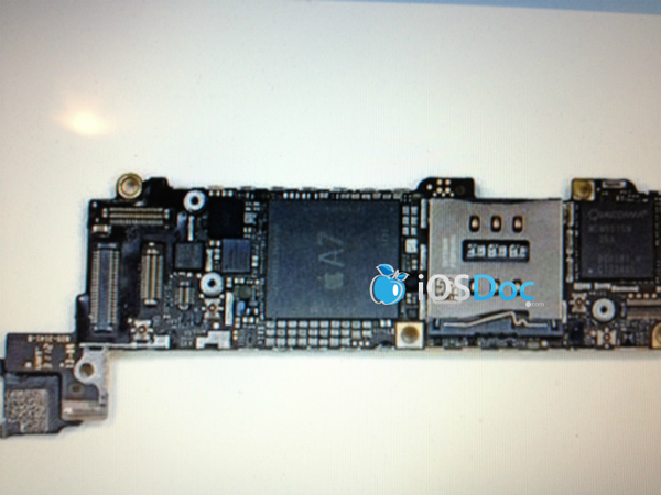 Apple-A7-motherboard-iOS