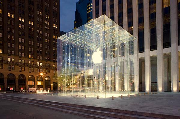D-anciens-employes-attaque-Apple-pour-cause-de-fouilles-systematiques-iphonote
