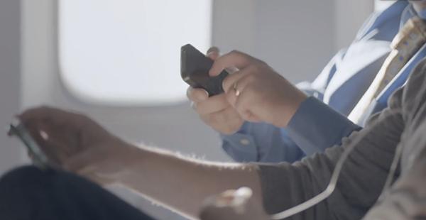 L-iPhone-5-pris-pour-cible-dans-une-nouvelle-publicite-du-Samsung-Galaxy-S4-iphonote