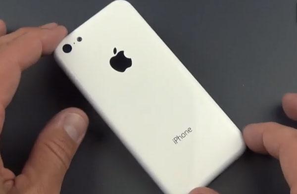 iphonote-La-coque-de-l-iPhone-Low-cost-devoilee-en-video-et-comparee-a-l-iPhone-3GS-iPod-touch-5G
