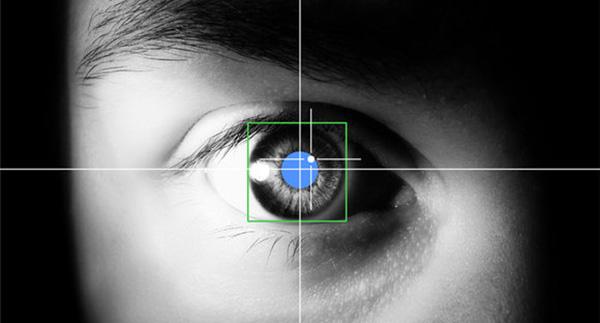 Jailbreak-Le-tweak-Facehalt-permet-de-mettre-en-pause-les-videos-en-detournant-les-yeux-iphonote