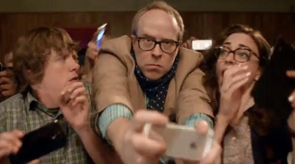 Publicite-Le-nouveau-Nokia-Lumia-1020-provoque-les-utilisateurs-d-iPhone-iphonote