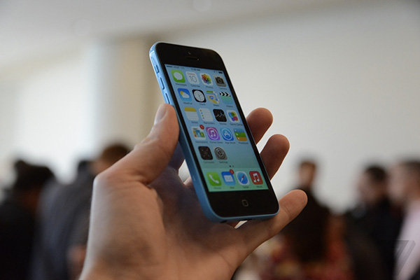 Video-Prise-en-main-de-iPhone-5C-iphonote