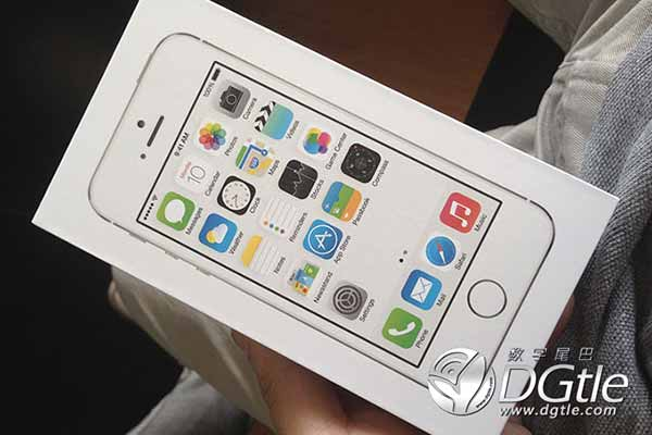 deballage-iphone-5S-600x400
