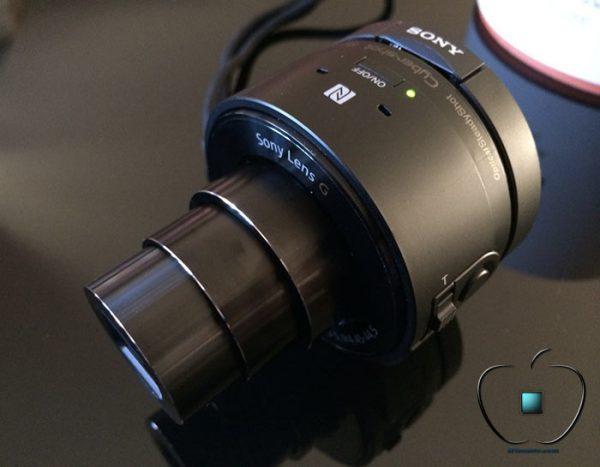 Presentation-du-Sony-Cyber-shot-DSC-QX10-par-iPhonote-4-700x545
