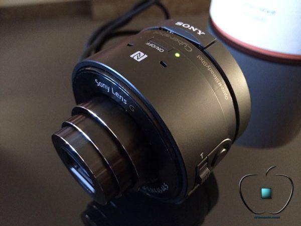 Presentation-du-Sony-Cyber-shot-DSC-QX10-par-iPhonote-5-700x525