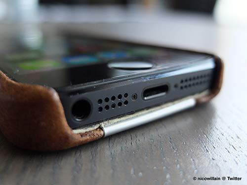 Revue-de-la-coque-Grip-de-VajaCases-pour-iPhone-5-3-500x375