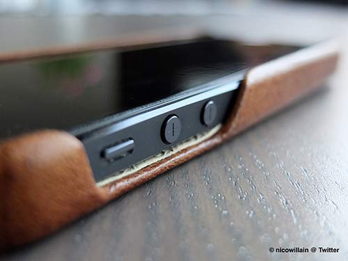 Revue-de-la-coque-Grip-de-VajaCases-pour-iPhone-5-500x375