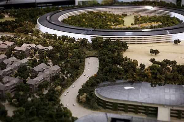 SpaceShip-La-maquette-du-futur-Campus-Apple-2-600x400