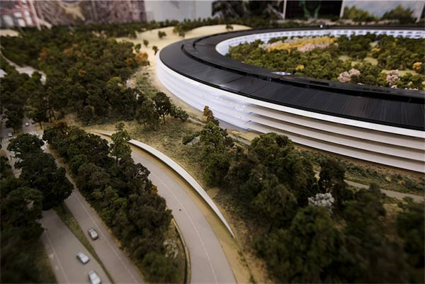 SpaceShip-La-maquette-du-futur-Campus-Apple-3-600x401