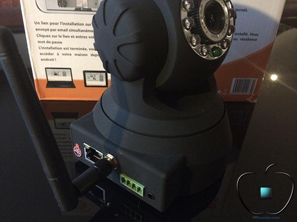 Accessoire-Camera-de-surveillance-motorisee-Wi-Fi-EUROTAS-2-600x424