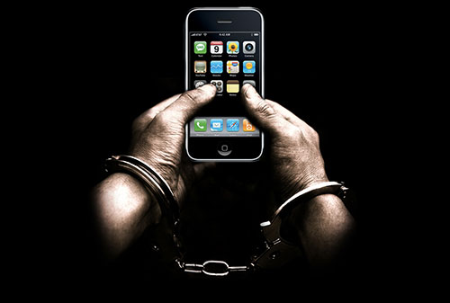 US-La-Maison-Blanche-tente-d-interdire-le-Jailbreak-a-l-international-500x337