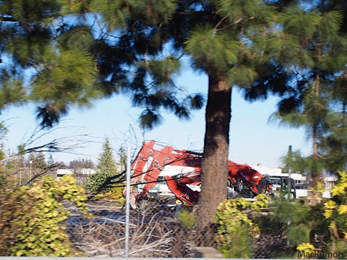 Apple-Campus-2-La-demolition-suit-son-cours-2-500x374