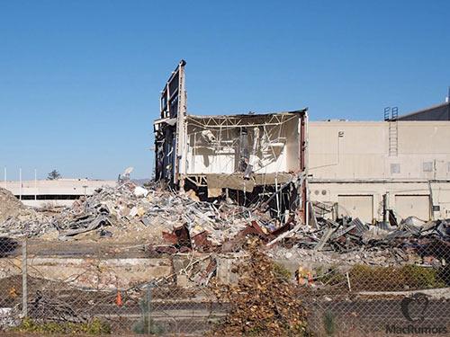 Apple-Campus-2-La-demolition-suit-son-cours-500x375