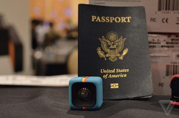 ces-2014-polaroid-presente-son-c3-un-micro-cube-avec-appareil-photo-5mpx-600x398