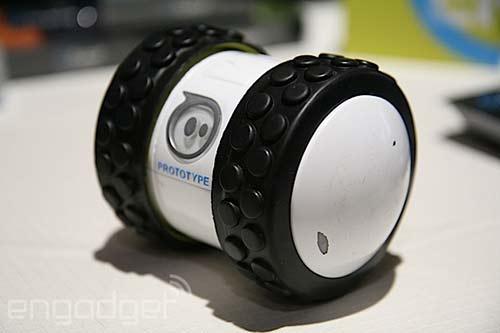 ces-2014-sphero-2b-le-nouveau-prototype-a-roues-de-orbortix-500x333