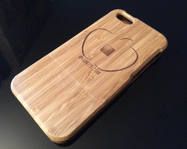 accessoires-primovisto-presentation-de-la-coque-iphone-5s-et-le-socle-en-bambou-600x476