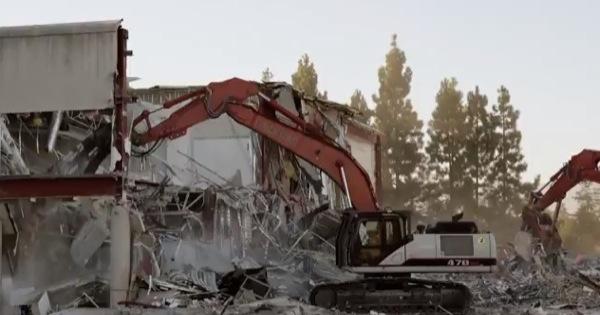 iphonote.com_ campus-2-apple-demolition