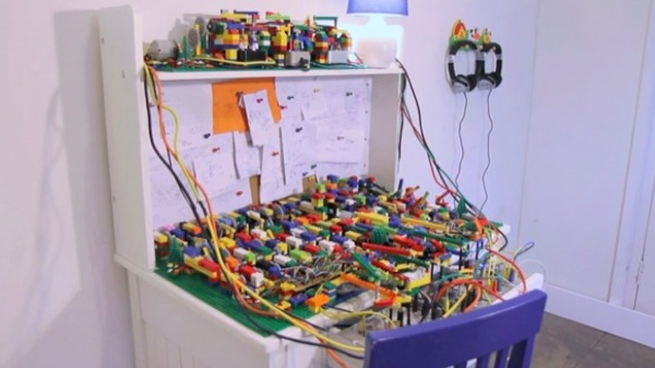 iphonote.com_ incroyable-video-une-machine-musciale-faite-de-legos