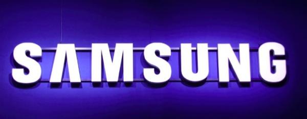 iphonote.com_ samsung-une-smartwatch-android-wear-et-un-smartphone-tizen-en-vue