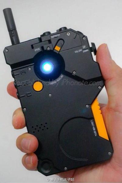 iphonote.com_iphone-bunker-la-coque-protection-pret-pour-la-fin-du-monde-5