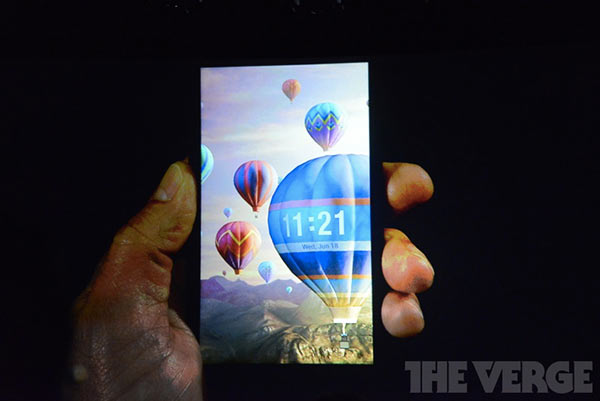 amazon-officialise-son-smartphone-3d-le-fire-phone_5