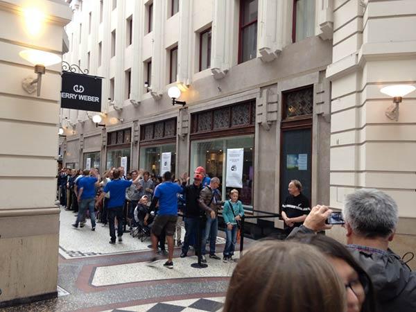 1200-personnes-a-l-ouverture-du-troisieme-apple-store-aux-pays-bas_3