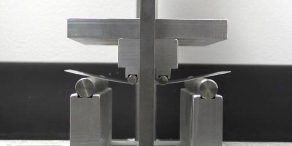 iphonote.com_test-de-durabilite-entre-le-saphir-et-le-verre-gorilla