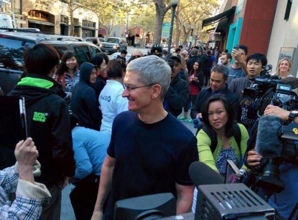 apple-offre-3-jours-de-conges-a-ses-employes-suite-a-la-sortie-des-iphone-6