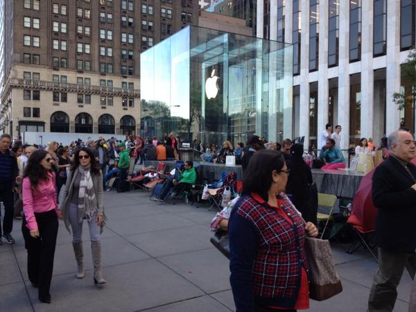 iphone-6-ca-campe-deja-devant-les-apple-store