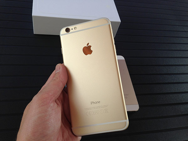 iphone-6-plus-128go-ca-y-est-il-est-la-et-en-photos