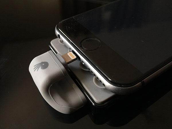 test-de-la-batterie-externe-popn-2-de-powerskin_2