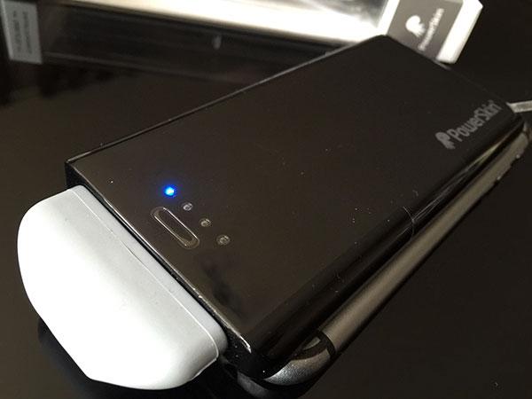 test-de-la-batterie-externe-popn-2-de-powerskin_4
