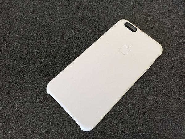 test-de-la-coque-en-silicone-pour-iphone-6-plus-concue-par-apple