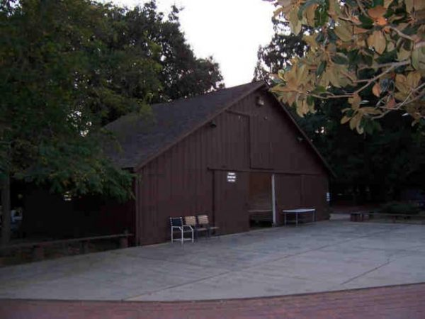 une-ferme-de-1916-cohabitera-avec-le-campus-2-dapple