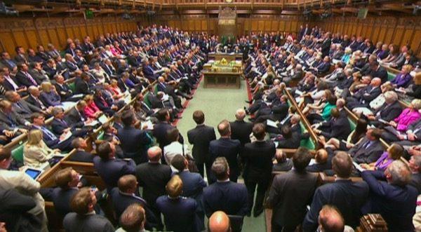 15-millions-de-dollars-dipad-air-2-pour-le-parlement-britannique