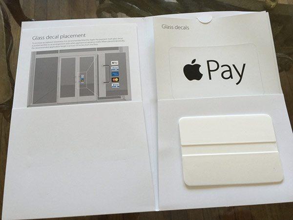 apple-pay-voici-les-autocollants-a-coller-dans-sa-boutique_4