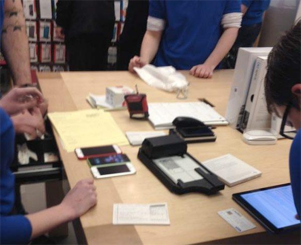 la-panne-des-serveurs-apple-a-aussi-provoque-des-problemes-en-boutique