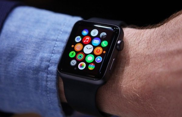 apple-emprunte-la-strategie-de-burberry-pour-vendre-son-apple-watch