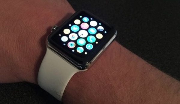 apple-interdit-les-applications-pour-apple-watch-affichant-lheure