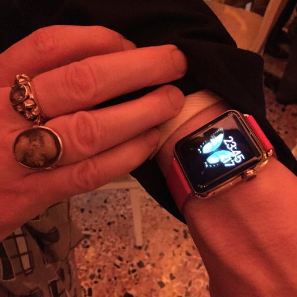 des-bracelets-exclusifs-pour-lapple-watch-vus-au-salone-del-mobile_5