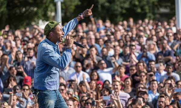 pharrell-williams-a-fait-s_2on-show-hier-au-campus-dapple