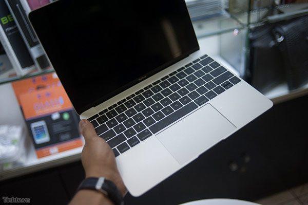 premier-deballage-du-macbook-retina-12-pouces-en-avant-premiere