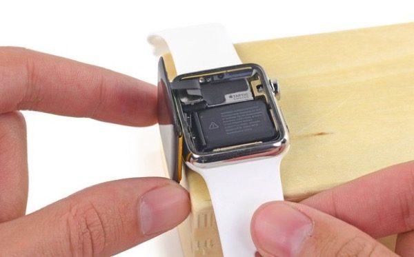 reparer-lapple-watch-changer-la-batterie-lecran-et-lantenne-nfc
