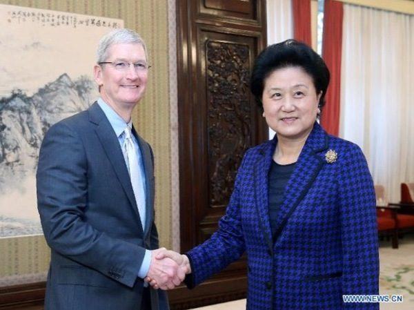 tim-cook-en-visite-a-pekin-rencontre-le-vice-premier-ministre-chinois