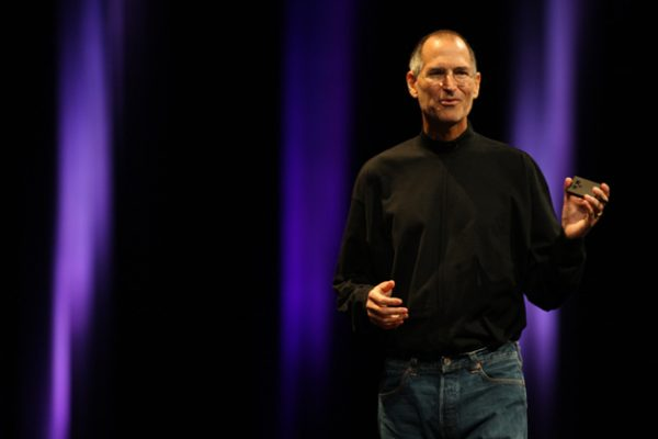 presentation-de-lapple-watch-par-steve-jobs-montage-video