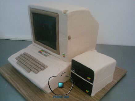un-apple-ii-en-guise-de-gateau-de-mariage-photos_2